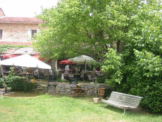 Cafe De La Gare : Outdoor lunch at the Cafe de Gare