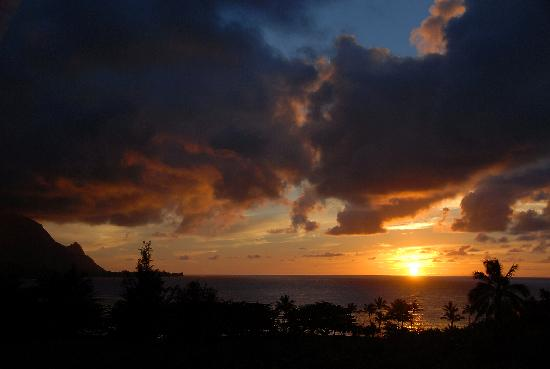 Hanalei Bay Resort: Sunset from HBR