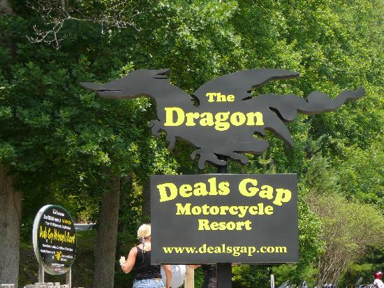 Dragon's Den Pub & Grill: Dragon;s Den Pub & Grill is at the Deal's Gap Motorcycle Resort