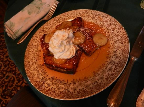 Stone Gables Bed and Breakfast: Bananas Foster French Toast!