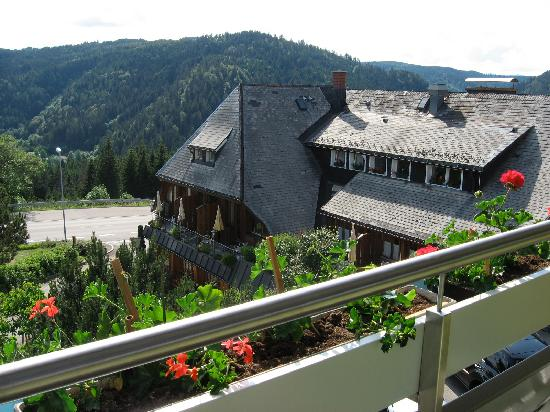 Landidyll Hotel Albtalblick: Main House from House 2
