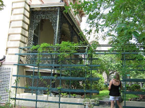 Zebulon Latimer House: sideview