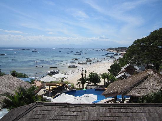Lembongan Beach Villas Resort: never got tired of this view...
