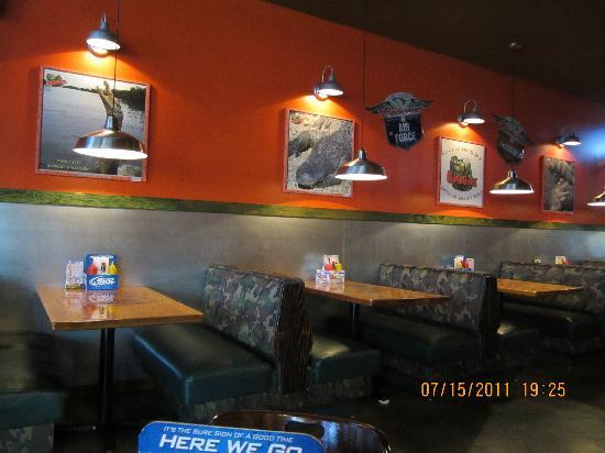Gatorbites: Dining area