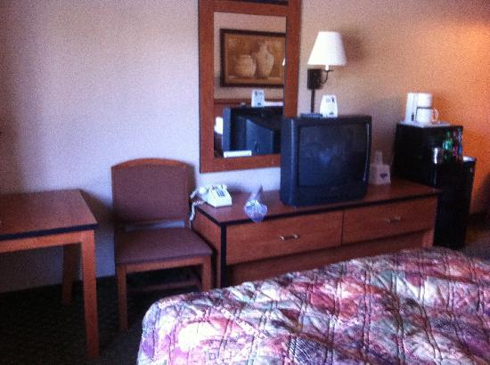 Travelodge Colorado Springs: Room View 1