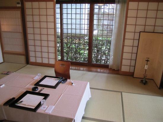 Sekitei : 食事の際、テーブルクロスを敷いてくれるのは丁寧で好きです。