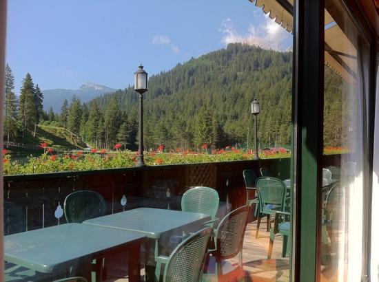 terrazza sul lago - Picture of Chalet Al Lago, San Vito di Cadore ...