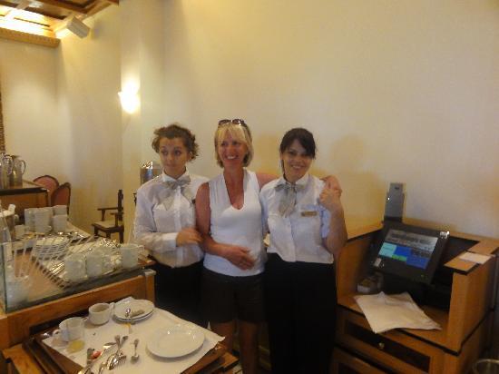 Aquila Rithymna Beach Hotel : nos serveuses préférées !