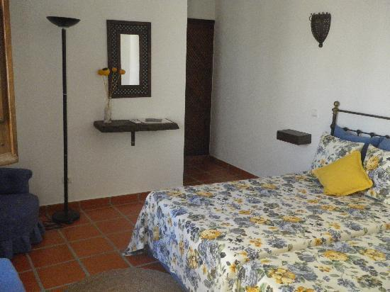 Hospedaria pero Rodrigues: inside room  4
