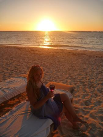 Vatulele Island Resort: Sunset drinks on the beach in front of our bure