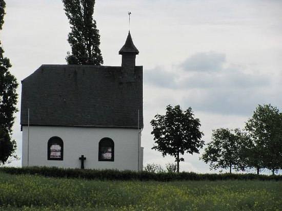 Mertloch, Alemania: the picturesque chapel