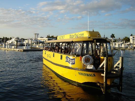 Water Taxi: Wassertaxi Ft Lauderdale, Startpunkt 5, FloridaJournal.de >> Ft. Lauderdale