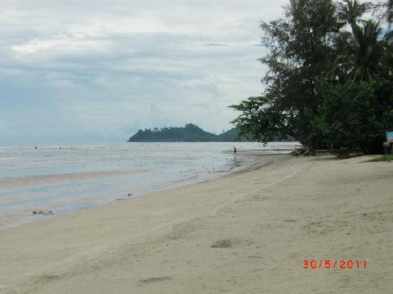 Ramayana Koh Chang Resort: Strand am Schwesterhotel
