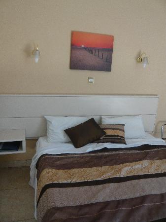 Rokna: room with balcony (2 floor)