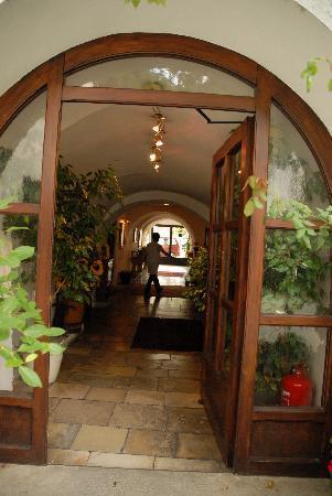 Hotel Schrannenhof : L'ingresso dal cortile interno