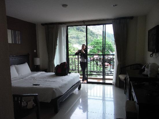 White Sand Krabi Hotel: The room
