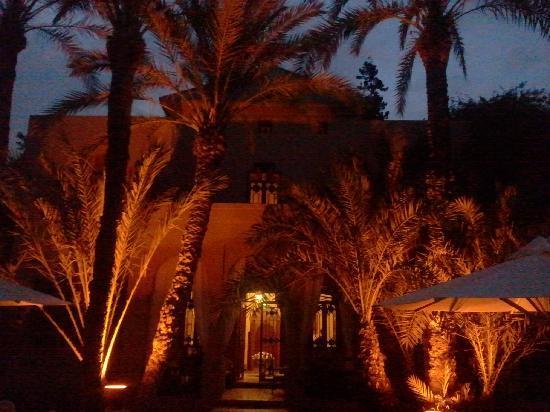 Dar Ayniwen Villa Hotel: Magnifique au crépuscule