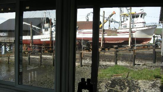 Waterfront Bed & Breakfast: View from guest's sitting room