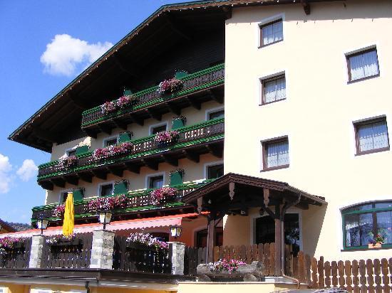 Hotel Kirchboden: front of hotel