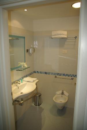 Aqua Hotel: Salle de bain
