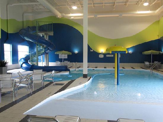 Fairfield Inn & Suites Winnipeg: Pool Area