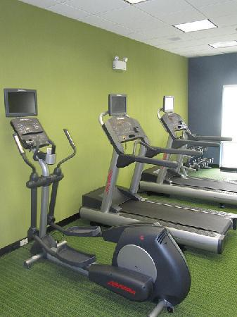 Fairfield Inn & Suites Winnipeg: Work out Room