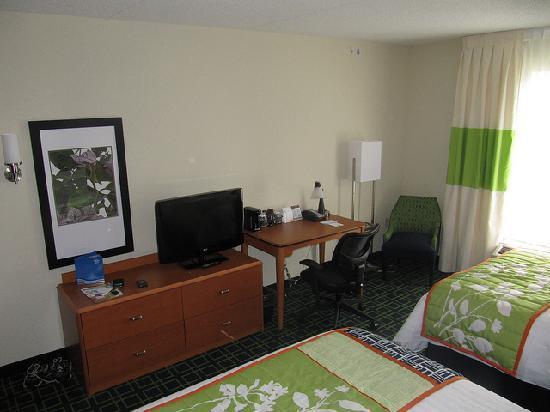 Fairfield Inn & Suites Winnipeg: Double Queens