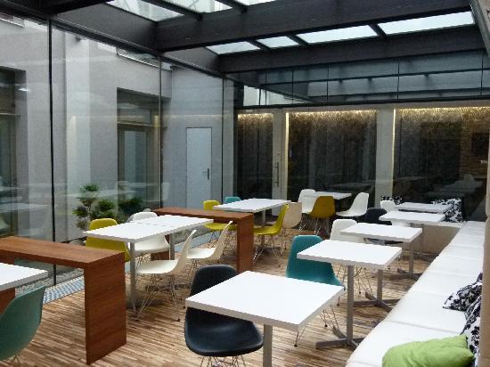 MOODs Boutique Hotel: ccolazione