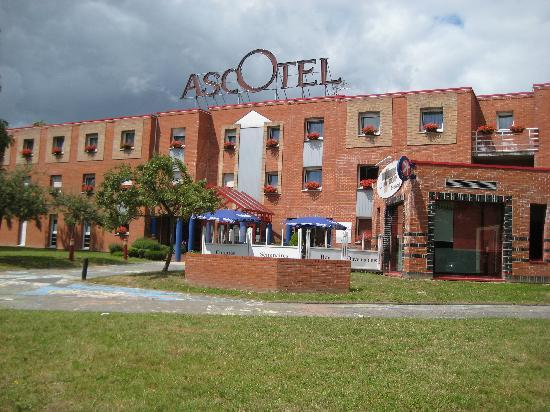 Inter-Hotel Ascotel: Front of hotel