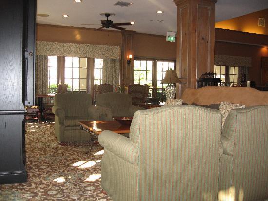 Homewood Suites Seattle - Tacoma Airport / Tukwila: Breakfast area