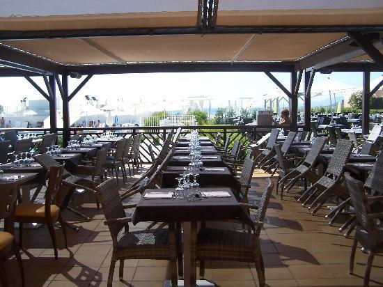 L 39 quipe d 39 animateurs photo de club marmara grand bleu for Exterieur restaurant