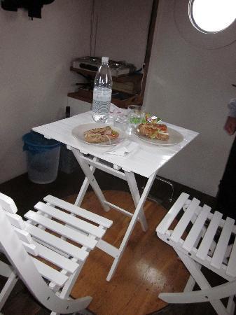 Utter Inn: Dinner inside on a windy night