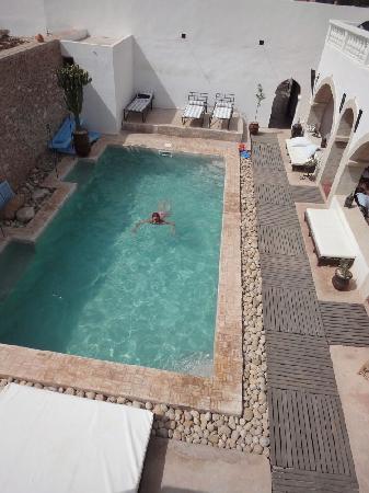 Les Mille et Une Nuits: vue de la terrasse de la piscine