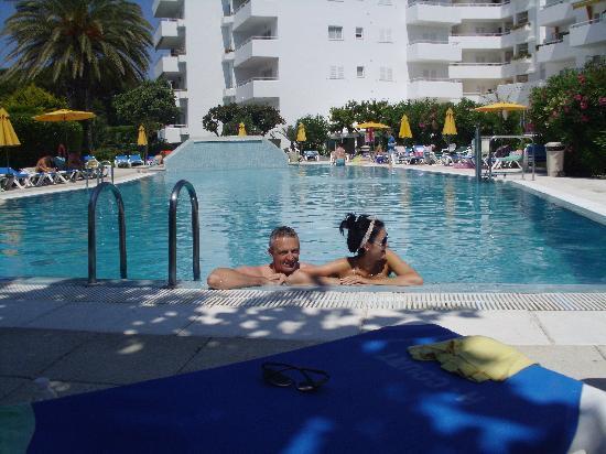 Apartamentos Hamilton Court: the pool