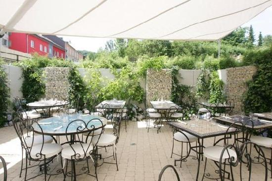 Bivio (Osteria del Bivio): Une terrasse toute en bleu