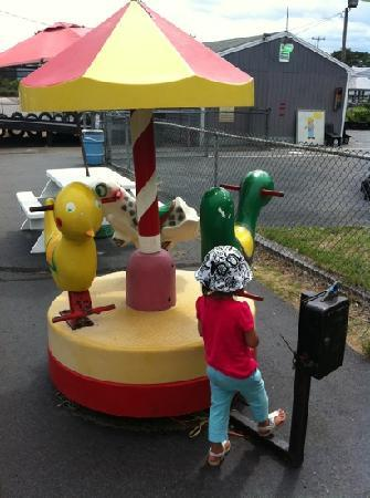 Wareham, MA: this was broken! and the only kids ride there.