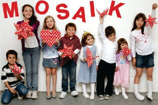 Mosaik - Kids Craft Store and Cafe: Origami, fun and lots of children activities.