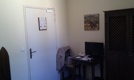 Chateau des Ducs de Joyeuse: toute petite chambre