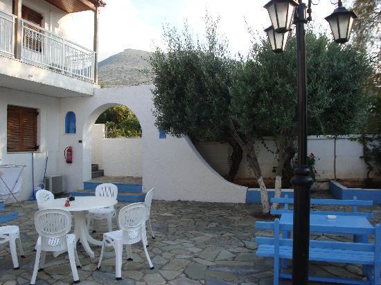 Hotel Villa Anna: backyard