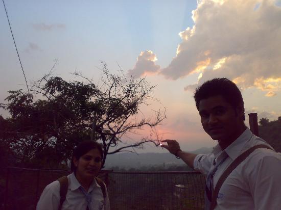 Dehradun, Hindistan: Mashuri Road