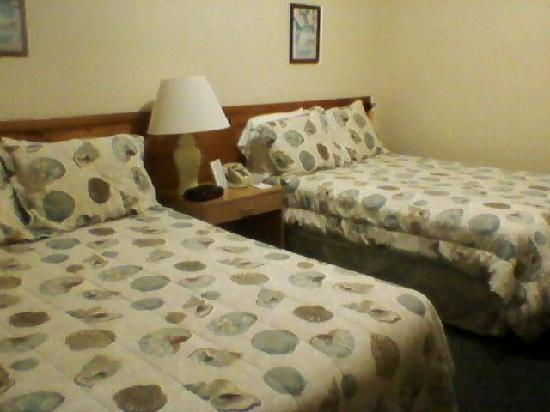 Coastal Waters Inn: Regular Rooms