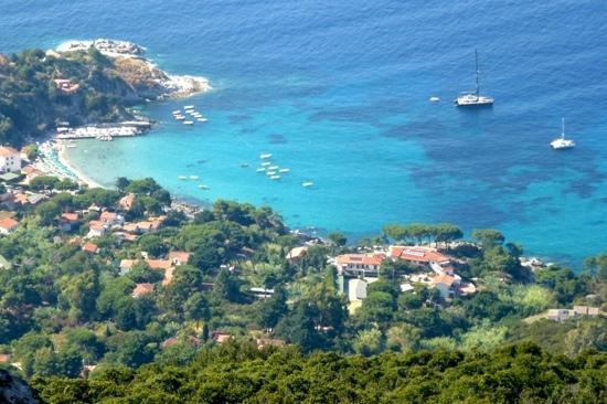 Hotel da Giacomino : Sant'Andrea's bay, Hotel Giacomino on lower right side