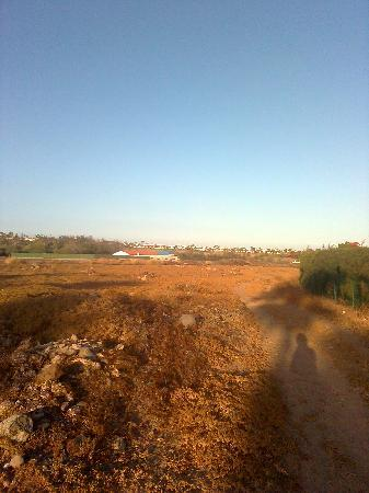 Bungalows Cordial Sandy Golf: wasteland behind sandy golf