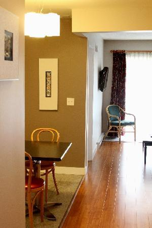 "Helm's Inn : Our ""One Bedroom Suite"" 102"