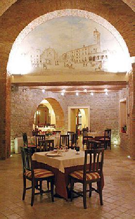 Vecchia Porta: sala in pietra