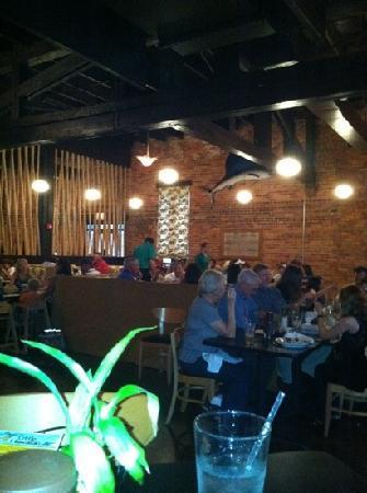 Little Hawaiian Seafood Grill & TIKI Lounge: ugh