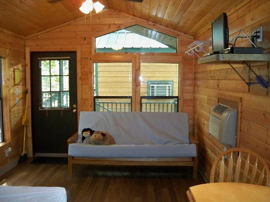 West Omaha KOA: Inside of cottage #3