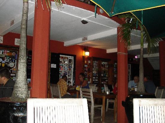 Swizzle Inn: OUTSIDE EATING