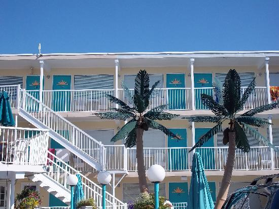 Aztec Resort Motel: view of third floor