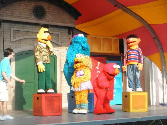 Sesame Place: Elmo Rocks